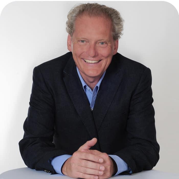 Dr. Patrick Bauer berät Sie vertraulich und individuell