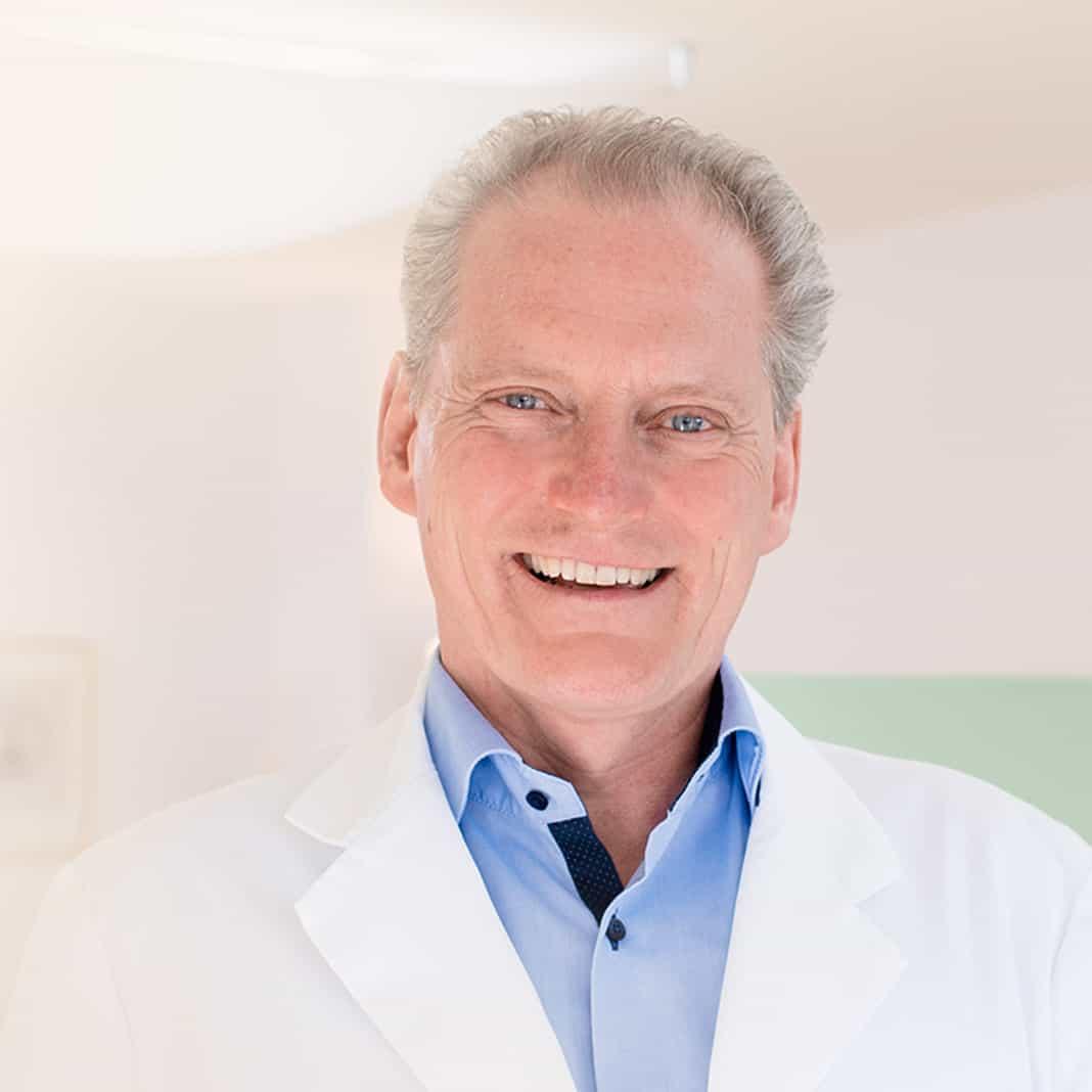 Dr. med. Patrick Bauer Spezialist für Brust-OPs
